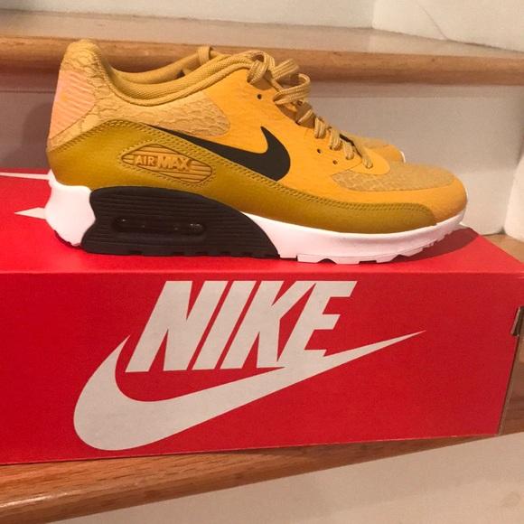 af7e6ee03c NIB Women's Nike Air Max 90 Ultra 2.0. M_5add2f109a9455101a34a774